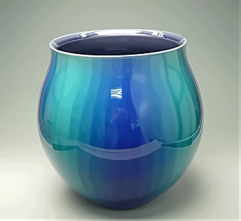 Glazed vessel with high gloss in blue and turquoise green by Tokuda Yasokichi III