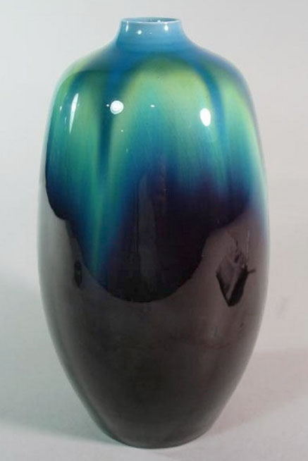 Tokuda Yasokichi III ovoid vase with turquoise and purple glaze