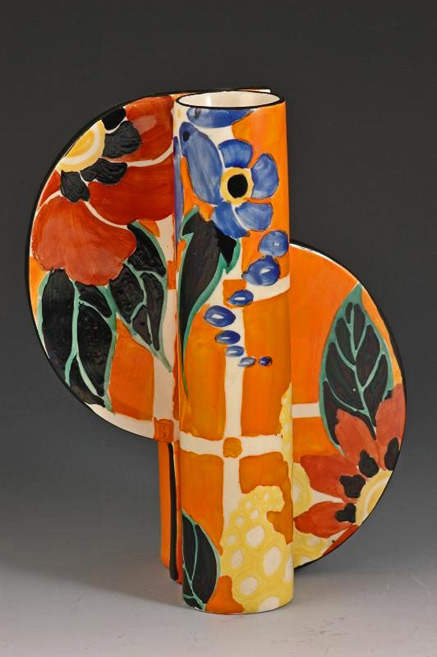 Clarice-Cliff-'Applique-Blossom'-464-shaped-vase-dating-to-1931