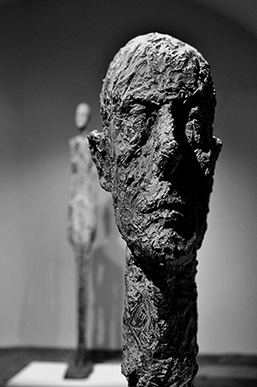 Alberto-Giacometti highly textured clay head