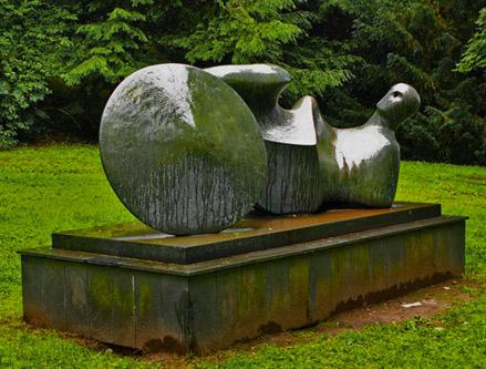 Henry-Moore'The-Goslar-Warrior'-(1975)-Abstract Sculpture-Goslar---Germany