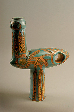 Untitled-sculpture-1959-made-in-California-stoneware-American-Ceramic-Society-Collection-2004HalFromhold