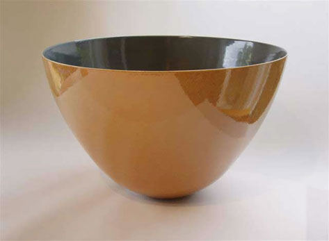 Shino glaze bowl Phil Elson