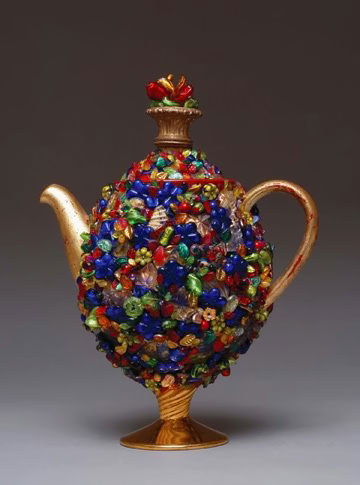 Lynn Casenerio teapot