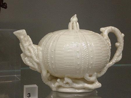 Cream Colour Teapot Belleek Pottery, glazed porcelain, slip-cast Ireland, Co. Fermanagh 1869-82