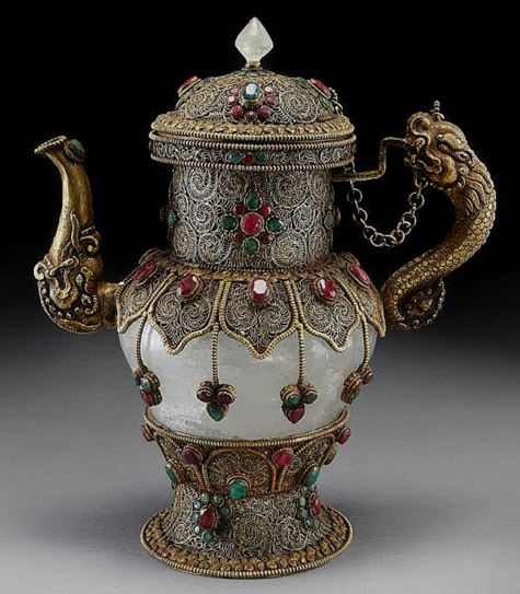 Elegant Russian Teapot made of rock crystal, trimmed with gilt filigree with emeralds and ruby