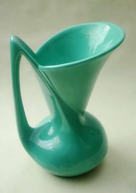 Willem-Stuurman-dish---Zenith-Gouda-Snavelkan - jug in teal green