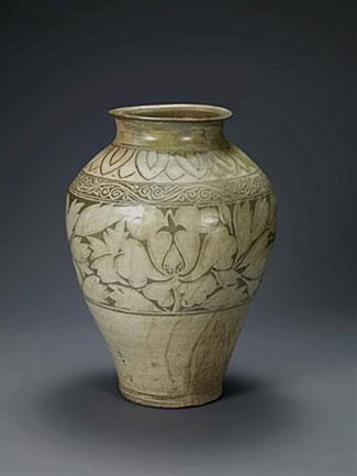 Korean Jar with peony decoration