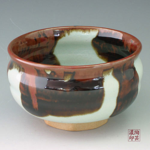 Porcelain Tea Bowl with Brown Design in White