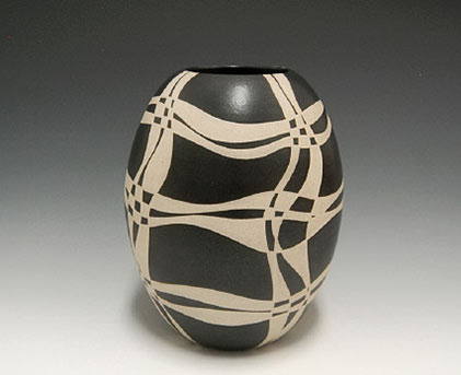 Abstract ovoid Vase - Gustav Perez