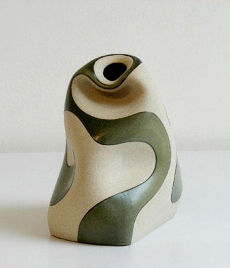 Gustavo Perez abstract contemporary vessel