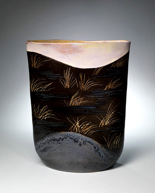 Jeff Mincham pottery vase