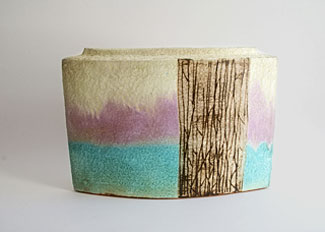 Jeff Mincham contemporary pottery vessel