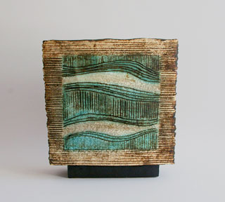 Jeff Mincham Australian ceramic vessel