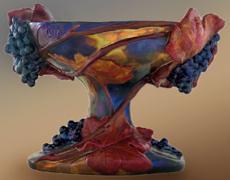 FRUIT-DISH-WITH-GRAPES-ORNAMENTS,-ZSOLNAY,-AROUND-1903
