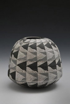 Counterpoint vessel by David Roberts