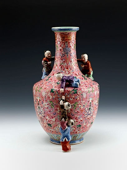 Qianlong Pink Vase  with figures of playing children and Indian lotus scrolls in fencai on red