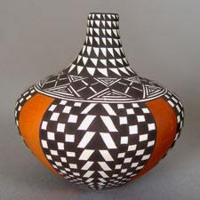 Sandra Victorino Acoma Peublo pottery