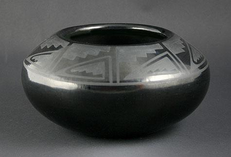Blue Corn (Crucita Gonzales Calabaza) burnished Black on black pottery