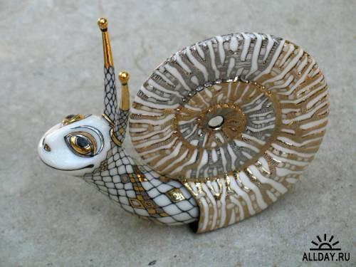 Porcelain Golden Snail Anya Stasenko and Slava Leontyev