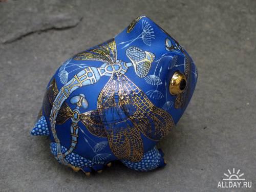 Blue Frog with a gold dragonfly Anya Stasenko and Slava Leontyev, Ukraine