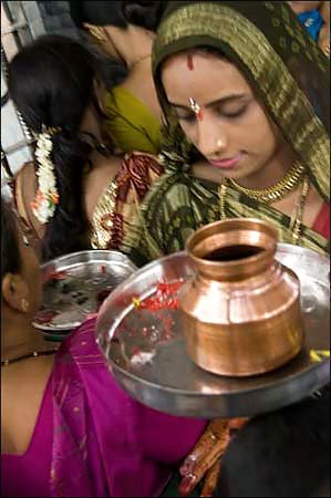 Goddess Savatri blessing for married women