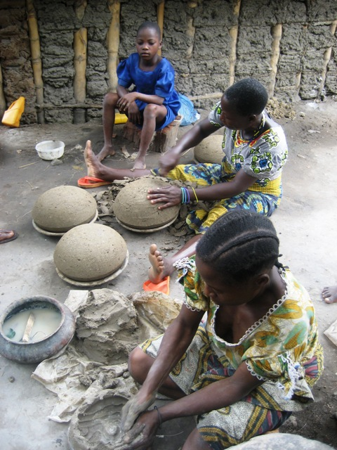 African pottery making