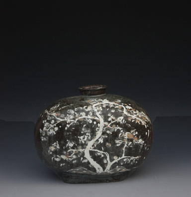 Lee Kang Hyo squat bottle vessel with tree motif, white on black