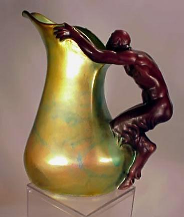 Gold eosin Zsolnay jug