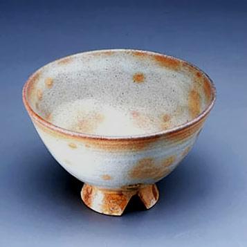 Cheon Han Bong - footed pottery bowl