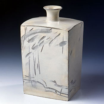 Choi Seong-Jae square ceramic bottle