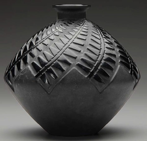 Lalique 'Montargis' vase of black glass with grayish patina, c. 1929.with art deco geometric pattern