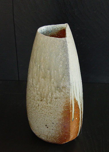 Tilting Tanba Vase with moon-shaped opening