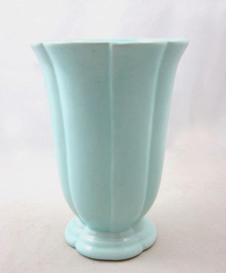 Haeger-pottery-vase