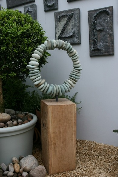 river-stone-circle-sculpture by Tom Stogdon