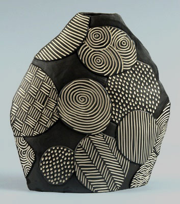 Larry Halvorsen - Balloon Blade Ceramic Vessel with sgraffito decoration