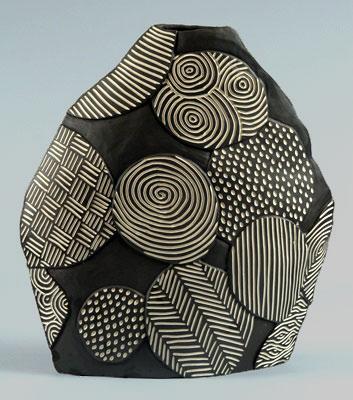 Larry Halvorsen - Balloon Blade Ceramic Vessel with sgraffito decoration