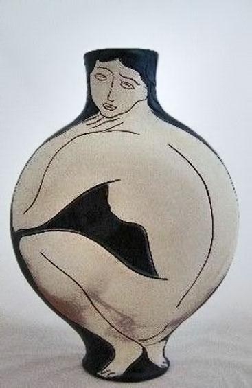 Pierre-Boncampain--vase-vénus-fond-bleu - Squatting nude female motif