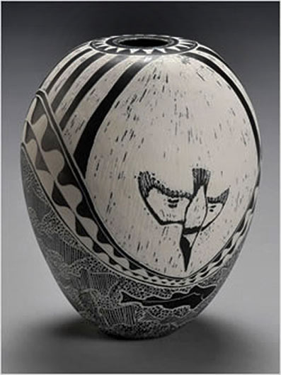 Ovoid porcelain vessel with sgraffito art - Kingfisher bird diving