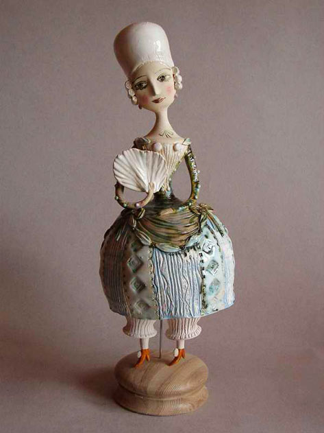 Elya Yalonetskaya figurine of a lady with a fan