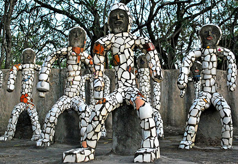Mosaic statues at the Chandigarh-rock-gardens