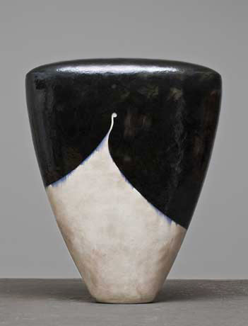 Jun Kaneko Dango sculpture in black and white