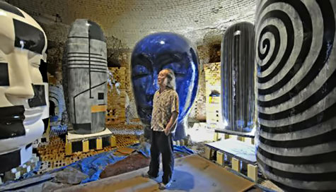 Jun Kaneko at the set design for Puccini's Madam Butterfly