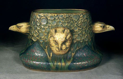Amphora owl and eagle vessel in green and gold