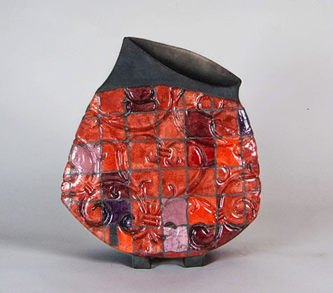 Baroque footed vessel by Ute Grossman in red and black