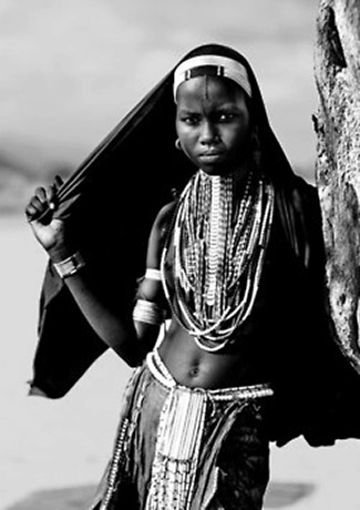 photo by Eric Lafforgue - Erbore Girl