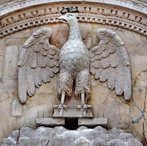 La-Scuola-Grande-San-Giovanni-Evangelista--Venise---This-famous-Venetian-Renaissance-portal-is-the-work-of-Pietro-Lombardo---1478-1481