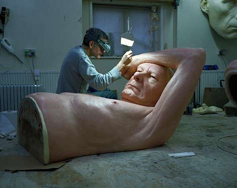 Ron-Mueck-Paris-
