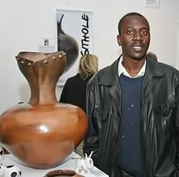 Nic-Sithole.-South-Africa pottery