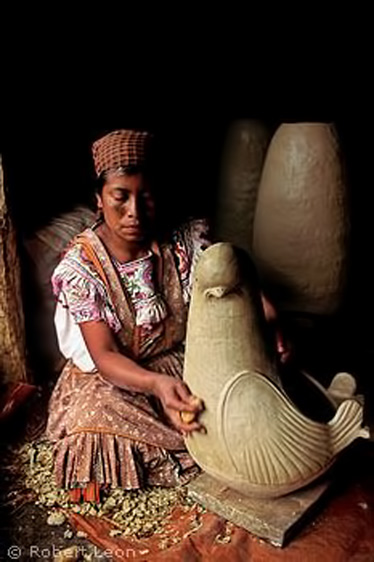 Tzeltal-Maya-woman-making-pottery,-Amatenango-del-Valle,-Chiapas,-Mexico-by-Shkaa'la,-via-Flickr